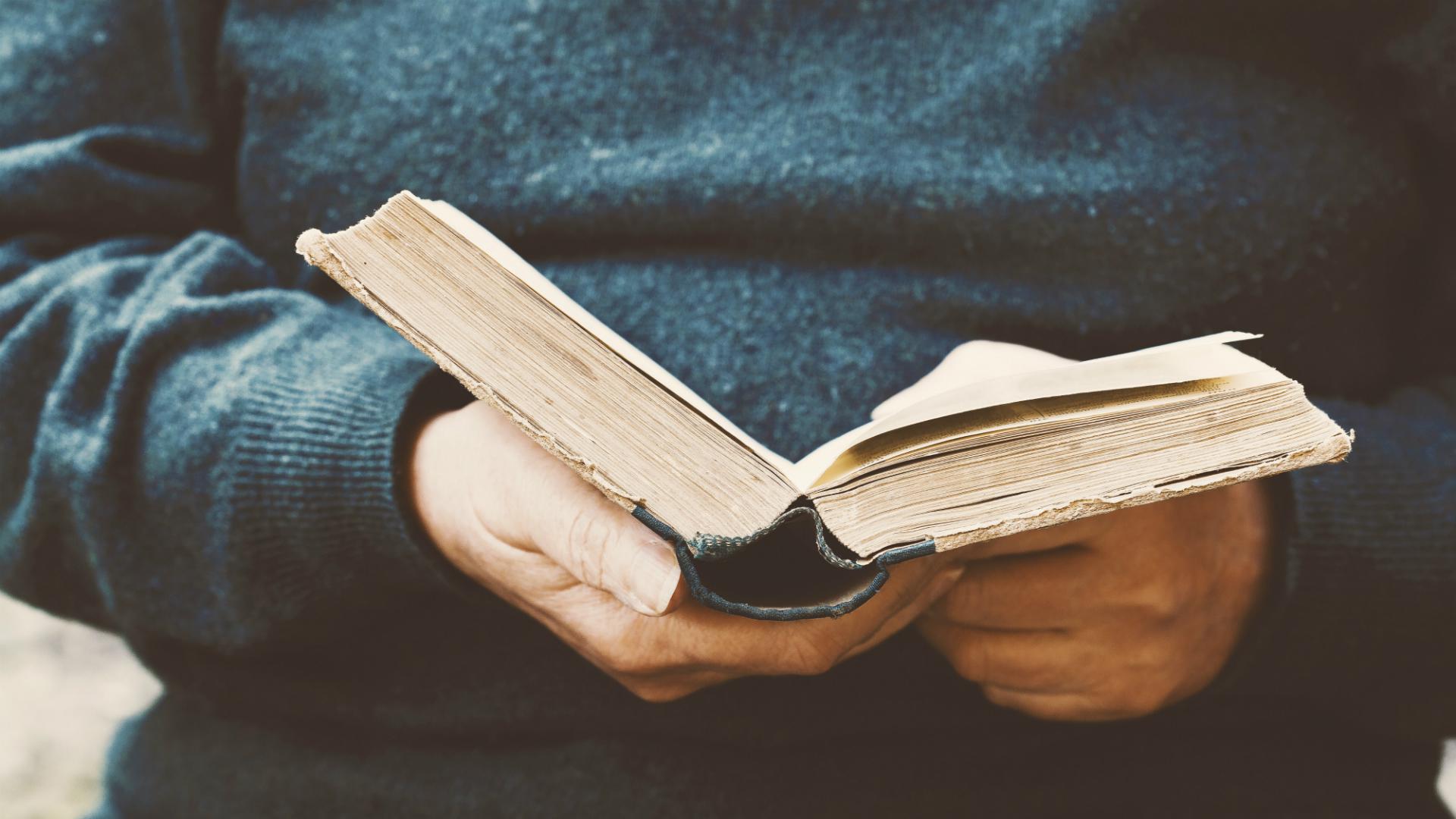 10 Versos en el Día Mundial de la Poesía