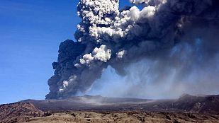 Hacia el interior del volcán islandés