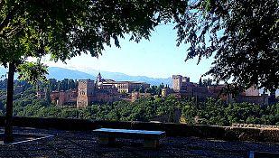 ¿Cómo cambió La Alhambra con la llegada de Isabel?