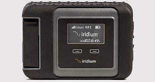 El accesorio Iridium Go para convertir un móvil convencional en un teléfono por satélite.