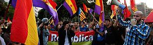 Miles de personas piden un referéndum entre monarquía y república tras la abdicación del rey