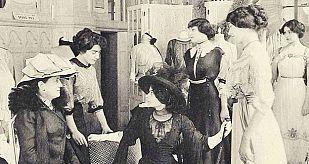 Mujeres comprando en 1909