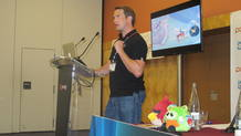 Matthew Wilson, responsable de m&aacute;rketing de Rovio, durante su charla en Gamelab 2012