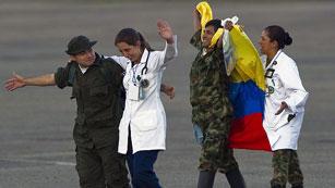 Ver vídeo  'Los 10 últimos rehenes militares de las FARC ya están con sus familias'