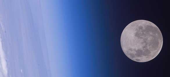 Vista desde el espacio del horizonte de la Tierra y la Luna