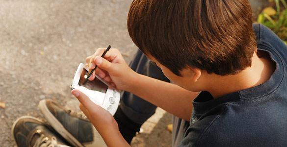 Los móviles y las tabletas son uno de los juguetes preferidos de los niños y adolescentes