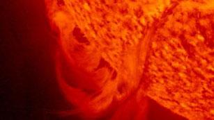 Ver vídeo  '13 llamaradas solares alcanzan a la Tierra'