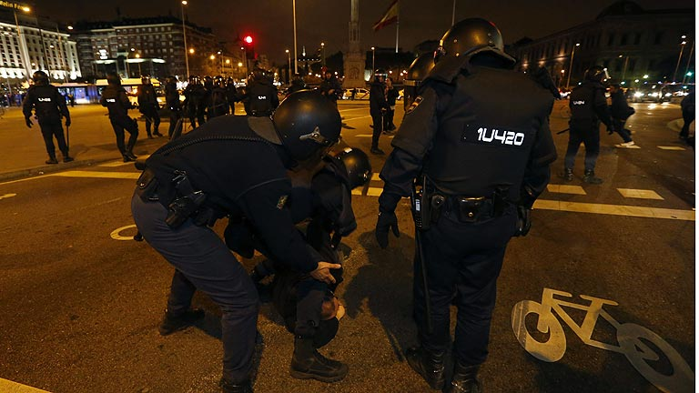 Detenidas 14 personas en los altercados tras la manifestación en apoyo a Gamonal