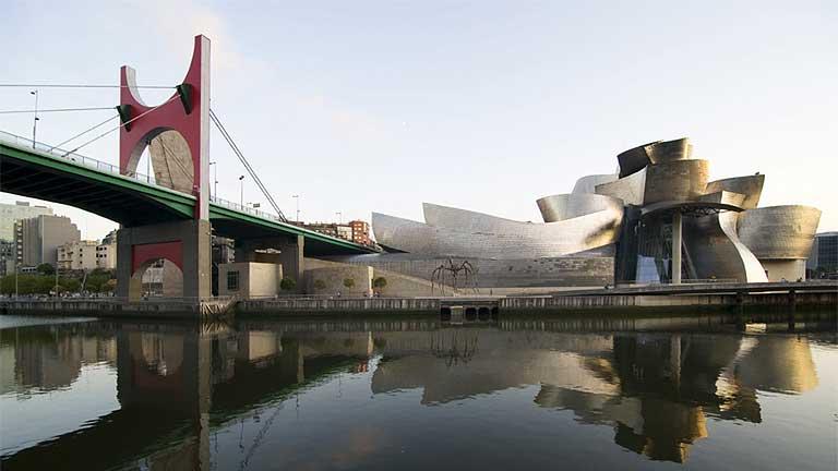 Bilbao celebra los 15 años de Guggenheim