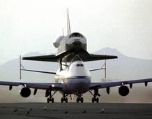 2 de mayo de 1991: vuelo de entrega del Endeavour desde la factoría en la que fue construido