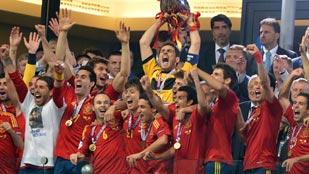 Ver vídeo  'Un 2012 histórico para el fútbol español'