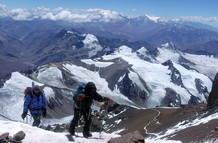 Varios científicos durante la expedición que les llevó a la cima del Aconcagua