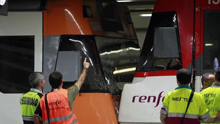 22 heridos por el choque de dos trenes de cercanías en Barcelona
