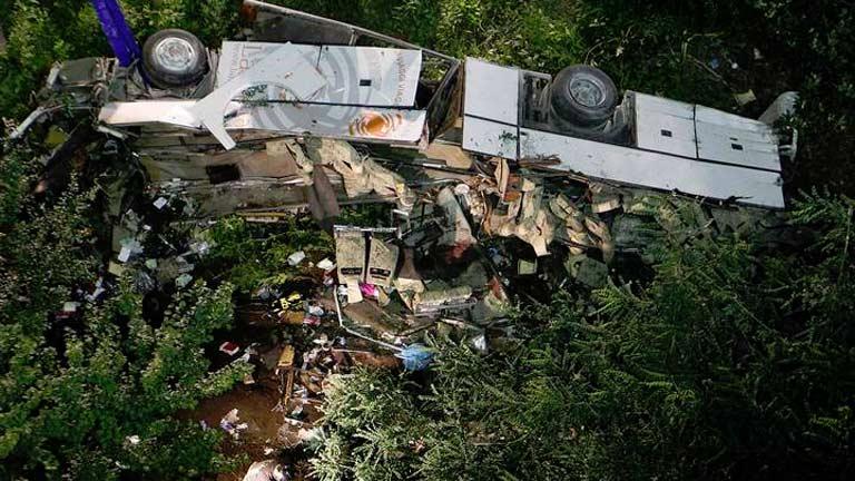 Al menos 38 muertos en un accidente de autobús en Italia