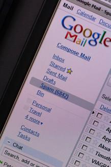 Los tradicionales correos electrónicos siguen siendo más usados que las plataformas sociales