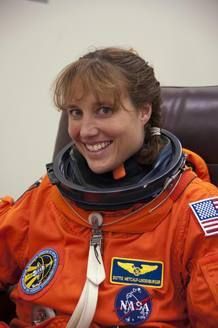 Dorothy Metcalf-Lindenburger, una de las tripulantes del transbordador