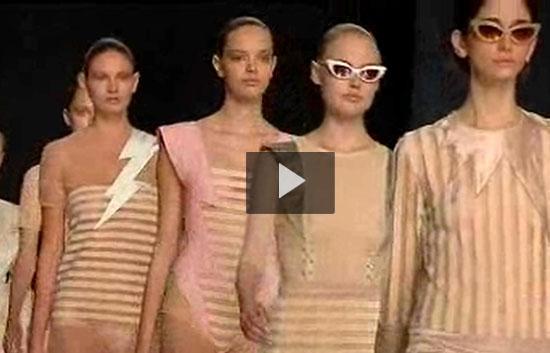 Ver v?deo  '52 diseñadores presentan sus colecciones en Cibeles'