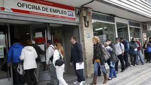 Ver v&iacute;deo  '5.639.500 parados en Espa&ntilde;a, nuevo r&eacute;cord hist&oacute;rico con una tasa del 24,4%'
