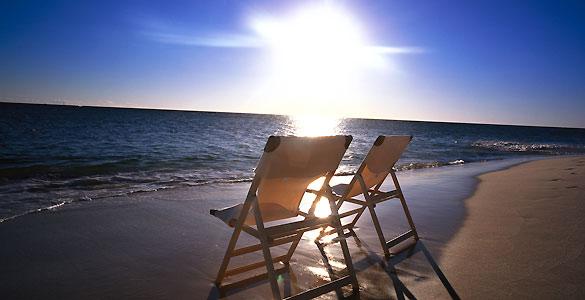 Para evitar los efectos perjudiciales de los rayos solares, los médicos recomiendan proteger nuestra piel