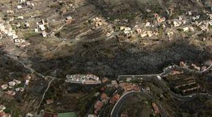 Ver vídeo  '800 hectáreas de bosque afectados en el incendio de La Gomera'