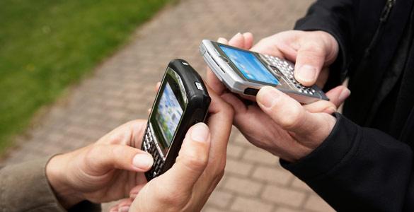 Cada vez más personas emplean el teléfono móvil para acceder a internet