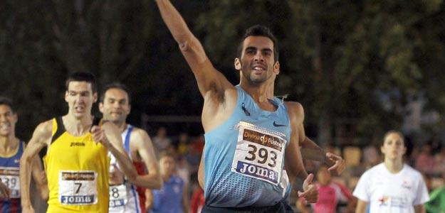 Kevin López se proclama vencedor de la final de 800 metros en el Campeonato Nacional Absoluto de Atletismo