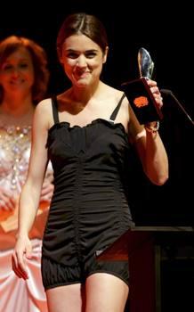 La actriz Adriana Ugarte recoge el premio actriz protagonista por 'La Señora'