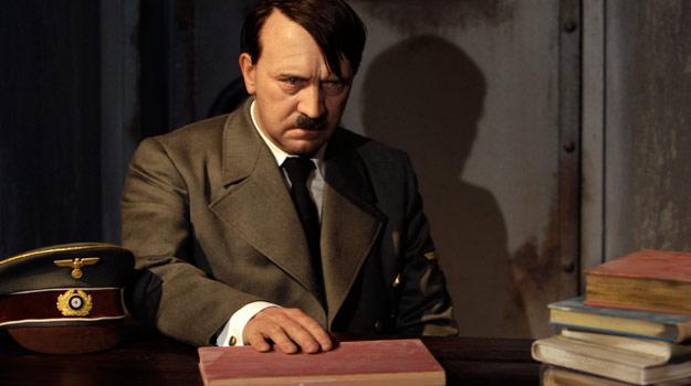 El FBI buscó a Adolf Hitler en España, según un documento encontrado por Abel Basti