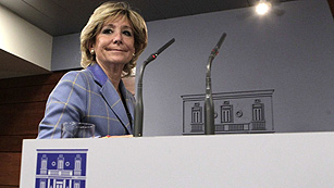 Ver vídeo  'Aguirre propone a Rajoy un pacto con el PSOE para reducir el estado autonómico'