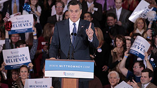 Romney consigue una ajustada victoria en Michigan y arrasa en Arizona frente a Santorum