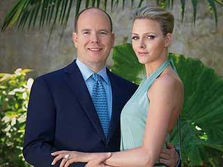 Ver vídeo  'Alberto de Mónaco anuncia su compromiso con Charlene Wittstock'