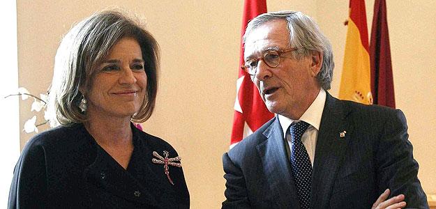 La alcaldesa de Madrid, Ana Botella, junto al alcalde de Barcelona, Xavier Trias