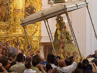 """Ver v?deo  'Los almonteños protagonizan el """"salto de la reja""""'"""