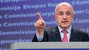 Ver vídeo  'Almunia afirma que el rescate financiero tendrá nuevas condiciones y supervisión de un troika'