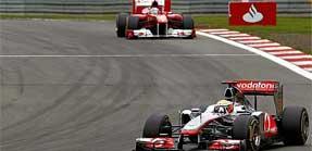 Alonso acaricia una victoria que impide Hamilton