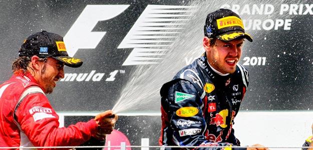 Alonso sube un peldaño en Valencia