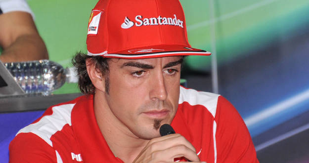 Fernando Alonso durante la rueda de prensa previa al Gran Premio de Malasia en el circuito de Sepang.