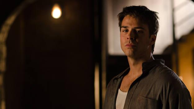 Andrés es un empleado de las bodegas Cortázar