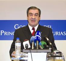 El presidente del Principado de Asturias, Francisco Álvarez-Cascos, anuncia el adelanto electoral