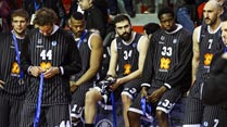 Ir al Video Amarga final de la Eurocup para el Bilbao Basket