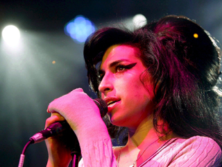 "Ver vídeo  'Amy Winehouse murió de forma ""accidental"" tras consumir grandes cantidades de alcohol'"
