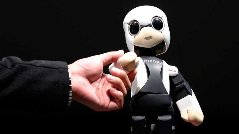 Japón manda al espacio al primer androide