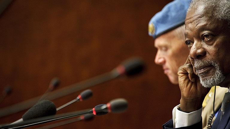 Annan busca el consenso internacional en la cumbre de Ginebra para detener la guerra en Siria