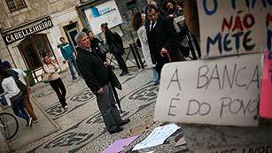 Ver vídeo  'Un año del rescate que intervino Portugal'
