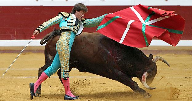 Antonio Barrera ikurriña toros san sebastián