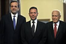 Antonis Samarás, Yiannis Stournaras y Carolos Papoulias