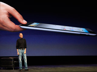 Ver vídeo  'Apple presenta el iPad 2: un 33% más delgado y con dos cámaras'
