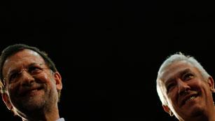 Ver vídeo  'Arenas y Rajoy arremeten contra los ERE'