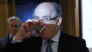Ver vídeo  'Argentina interviene YPF y anuncia la expropiación del 51% de la filial de Repsol'