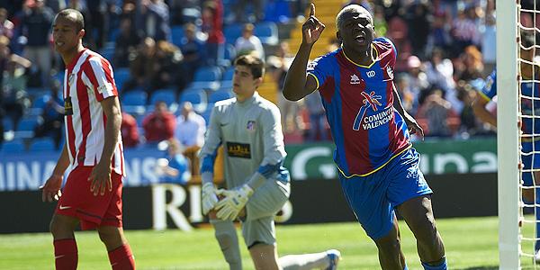 Arouna Kone celebra el segundo gol del Levante.